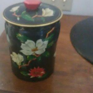Beautiful Vintage Tin